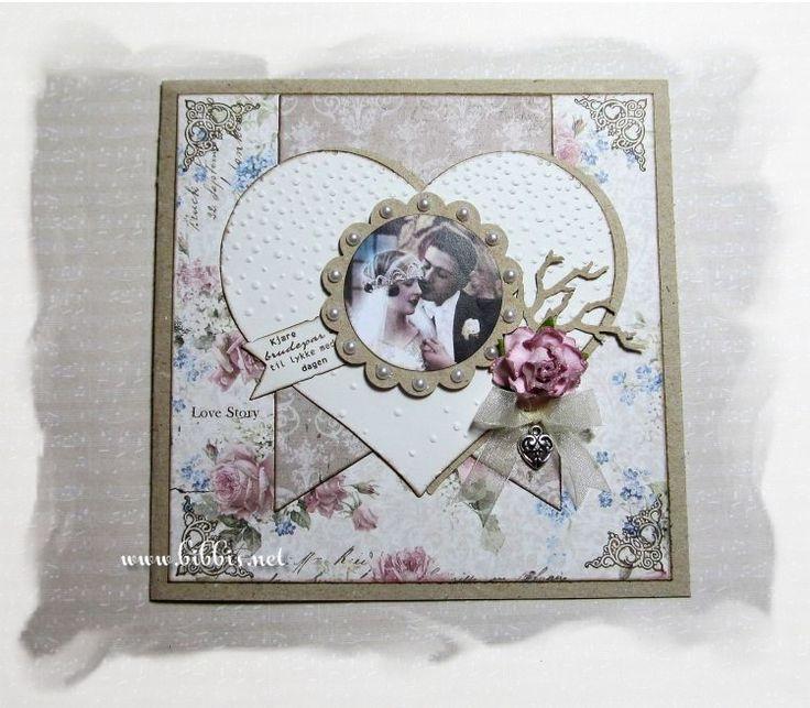 Et par bryllupskort som er laget med de samme arkene, stemplene, bilder og dies, men likevel litt forskjellige. Arkene er fra Maja Desig...