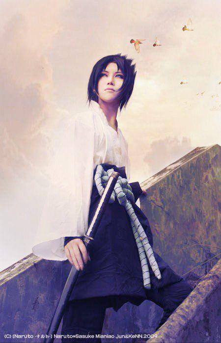 Flawless Sasuke cosplay.