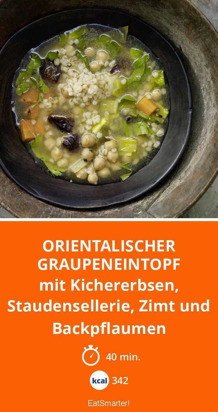 Orientalischer Graupeneintopf - mit Kichererbsen, Staudensellerie, Zimt und Backpflaumen - smarter - Kalorien: 342 Kcal - Zeit: 40 Min. | eatsmarter.de