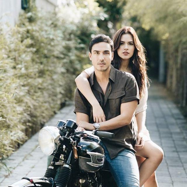 4 Seleb Ini Pilih Prewedding Dengan Konsep Anak Motor Gas Sampai Pelaminan Yuk Foto Perkawinan Pose Fotografi Foto Pernikahan Lucu