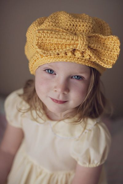 crochet hat pattern. Do a different bow....