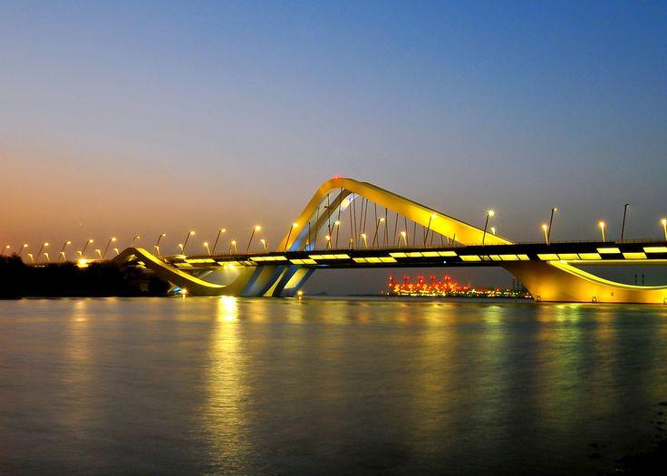 Sheikh zayed bridge / Abu Dhabi / Zaha Hadid (2010)
