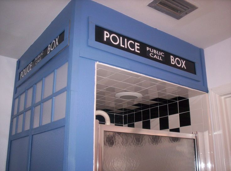 tardis shower if a who fan can make it into a tardis it has probably somewhere - Dr Who Bedroom Ideas