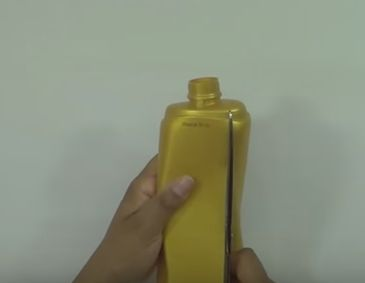 decorar camisas con botellas de plástico1