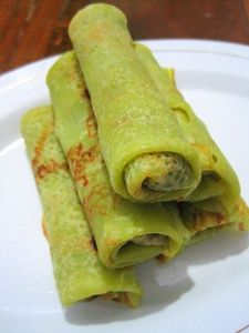 Annie's 1-2-3 Dish: Panekoek Unti - Pandan Crepes with Sweetened Cinamon Flavour Coconut Filling