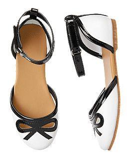 D'Orsay Bow Flats Cute girls black and white shoes  http://www.gymboree.com/shop/dept_item.jsp?FOLDER%3C%3Efolder_id=2534374302775091&PRODUCT%3C%3Eprd_id=845524446054555