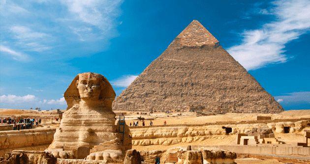 Kahire'de gidilecek en önemli üç yer vardır. Kahire Müzesi, piramitleri görmeden önce müzenin gezilmesinde fayda var çünkü tarihi eserlerin neredeyse hepsi müzeye aktarılmış. Osmanlılarla devam eden İslami dönem eserleri de mevcuttur. #Maximiles #Kahire #KahireMüzesi #Afrika #Africa #AfrikaŞehirleri #şehir #şehirrehberi #GüneyAfrika #şehirmanzaraları #gezilecekyerler #başkent #farklıkültürler #farklışehirler #piramit #tarihiyerler
