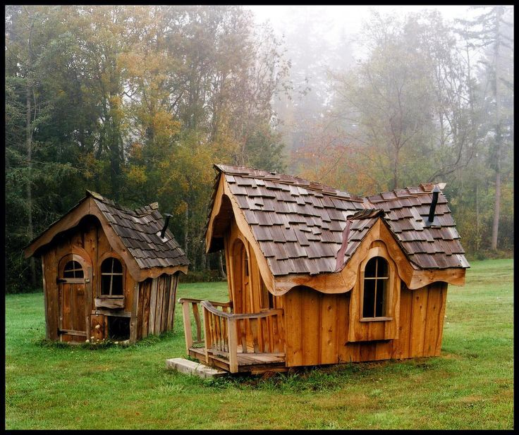 Decorating ideas appealing playroom 20 cool playhouses for Kids cabin playhouse