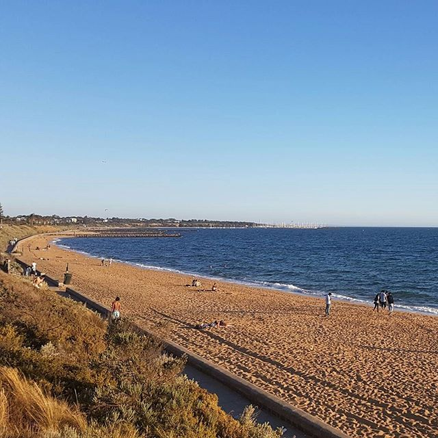 Visited Point Ormond Hill, Elwood and then walked to Brighton boxes (nearly an hour!) in hot weather!! #weekend #melbourne_insta #travel #travellers #trip #beaches #ocean #adventure #wanderlust #portphillip #wheninmelbourne #visitmelbourne #melbweather