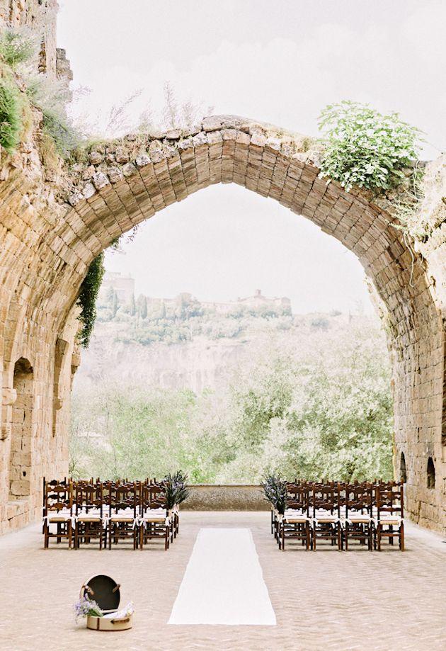 Hotel La Badia Orvieto | Intimate Italian Castle Wedding | Facibeni Fotografia | Bridal Musings Wedding Blog