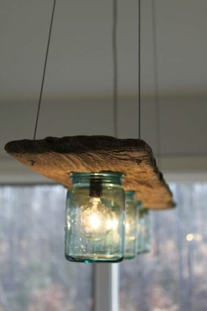 Viele Projekte fangen damit an: Liebling, ich habe eine Idee. In diesem Fall gab es Probleme mit der Wohnzimmerlampe. Dauernd defekte und teure Spezialglühlampen. Die neue Lampe sollte eine Deckenlampe aus altem Holz sein, die farblich zum Wohnzimmer passt, mit LED´s betrieben und dimmbar.Das alte Holz, ca. 120 cm lang, 18 cm breit und bis …