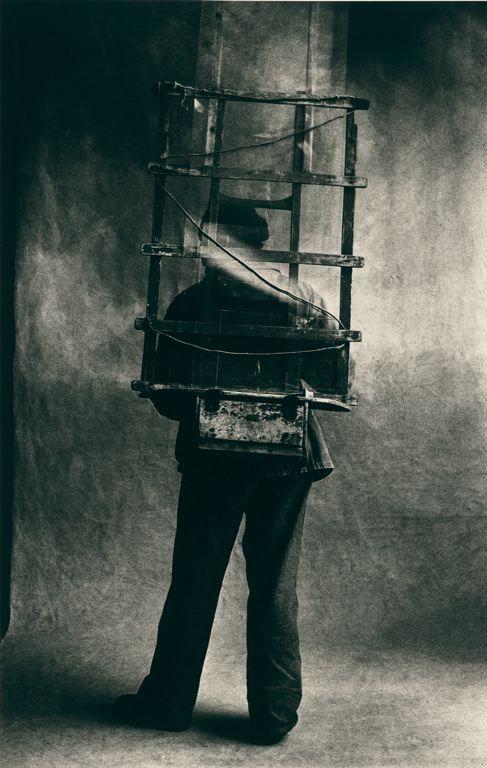 moniledebeaute:  Irving Penn (1917–2009), Vitrier (Glazier), Paris, 1950, printed November 1976.   Art Institute of Chicago