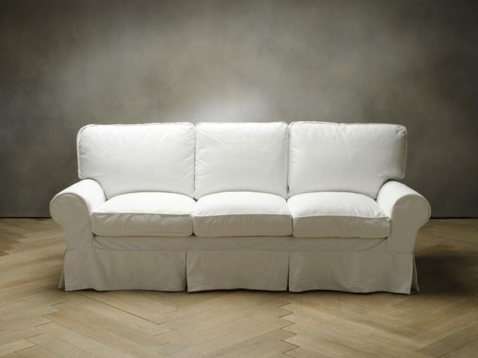 RITZ Divano - 3 posti  codice: 8457100012    Colore  bianco  Rivestimento  cotone  Dimensioni  3 posti  Piedini  faggio  Struttura  faggio e abete  Misura:  (220x93x93)