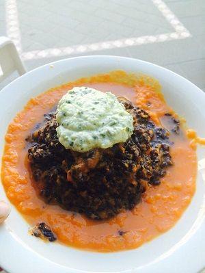 Riso nero venere con vellutata di zucca e mousse di zucchine