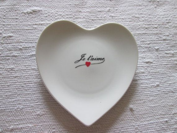 Assiette décorative en coeur St-Valentin /  plate heart Je