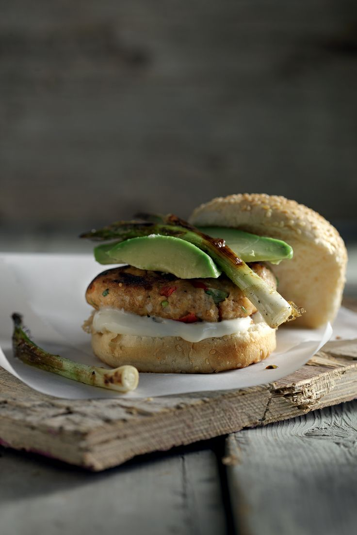 Fish burger w/ avocado and spring onions
