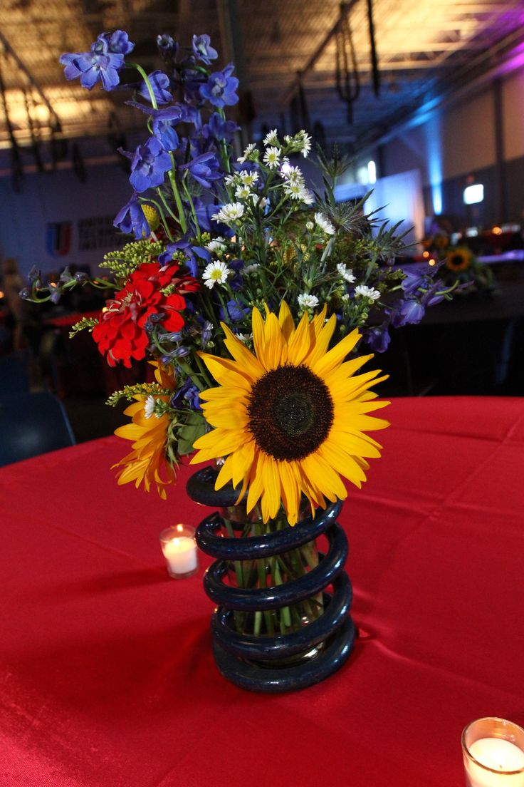 Gorgeous floral are the finishing touches at the @NASCAR Technical Institute 10 year anniversary celebration in Mooresville, N.C. produced by the JHE team.