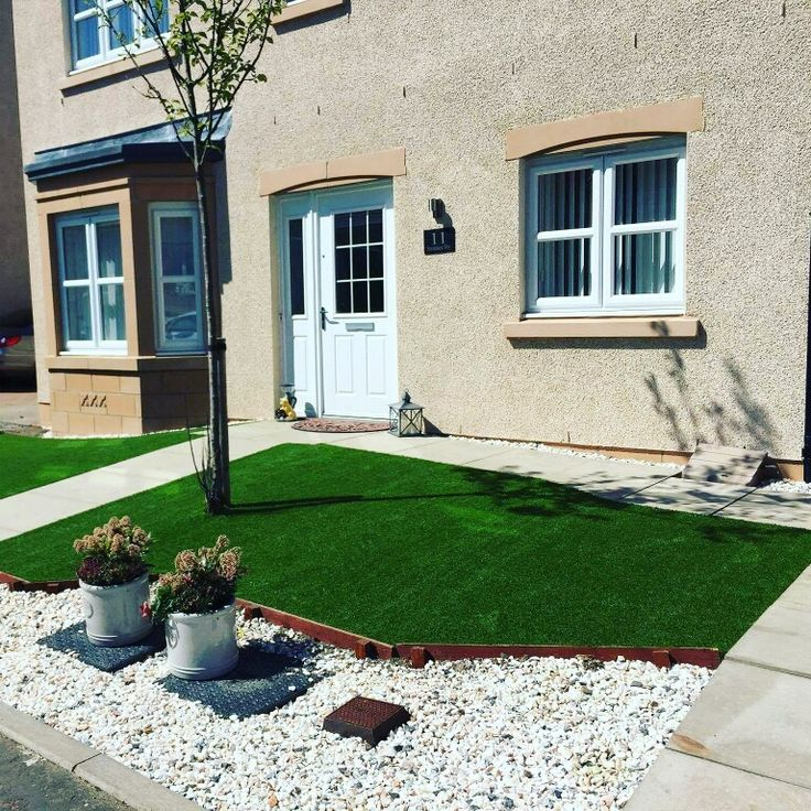 Your front garden is your home's first impression to visitors and passers-by, potentially making you the envy of your neighbours if it's looking fantastic. Artificial grass ensures you can make a consistently great impression without having to worry about ongoing maintenance.  #ArtificialTurfScotland #artificial #fakegrass #artificialgrass #astroturf #grass #syntheticgrass #syntheticturf #garden #landscape #gardening #scotlandUK