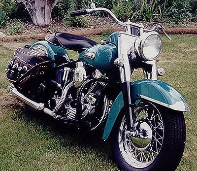 1949 Harley-Davidson Panhead Right-Front. I totally love this bike-paz