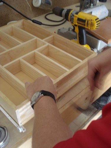 Use these plans to build a custom kitchen drawer organizer