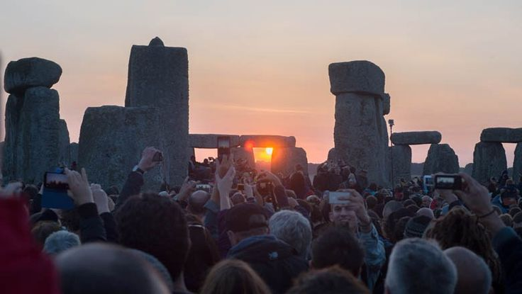 summer solstice 2015   People gather to watch the Summer Solstice sunrise at Stonehenge on ...