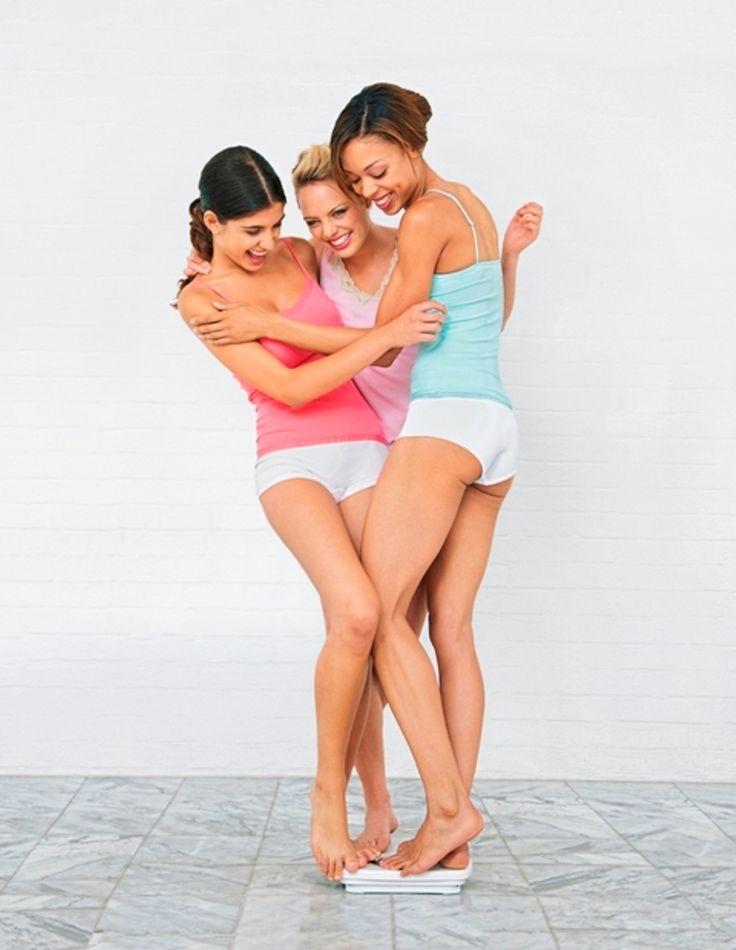 """Internationaler Frauentag: """"Mädels gönnt Euch was""""  Mit der HYPOXI-Methode kombinieren Sie leichtes Training mit einer innovativen Über- und Unterdruckbehandlung. So reduzieren Sie schon nach kurzer Zeit gezielt Fettpolster an Bauch, Po, Hüfte und Oberschenkeln und verbessern gleichzeitig Ihr Hautbild Von unseren HYPOXI-Coaches erhalten Sie zusätzlich wertvolle Ernährungstipps - garantiert ohne Magenknurren!  #frauen #frauentag #ladys #hypoxi #ernährungstipps #fettpolster #oberschenkel"""
