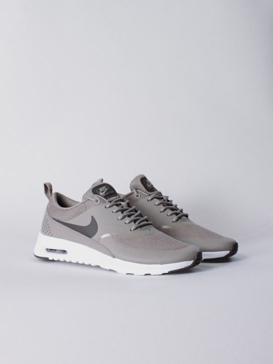 best 25 air max thea ideas on pinterest nike thea. Black Bedroom Furniture Sets. Home Design Ideas