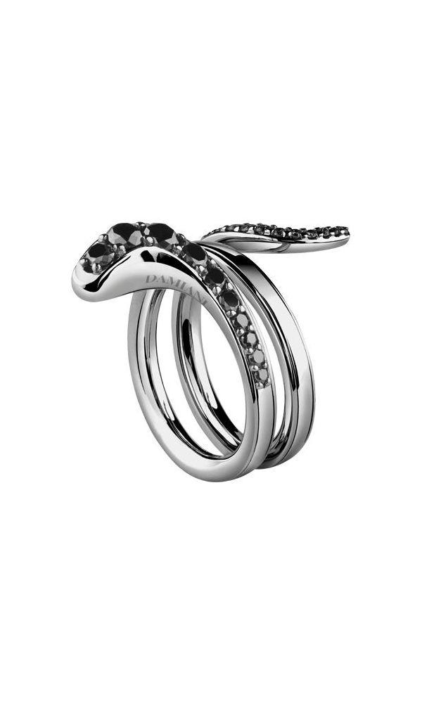Eden black gold ring with black diamonds