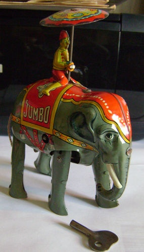 Vintage JUMBO LITHO Wind-Up Tin Elephant W/ MAN & UMBRELLA W/Key US Zone Germany