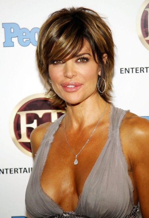 Lisa Rinna short layered bob