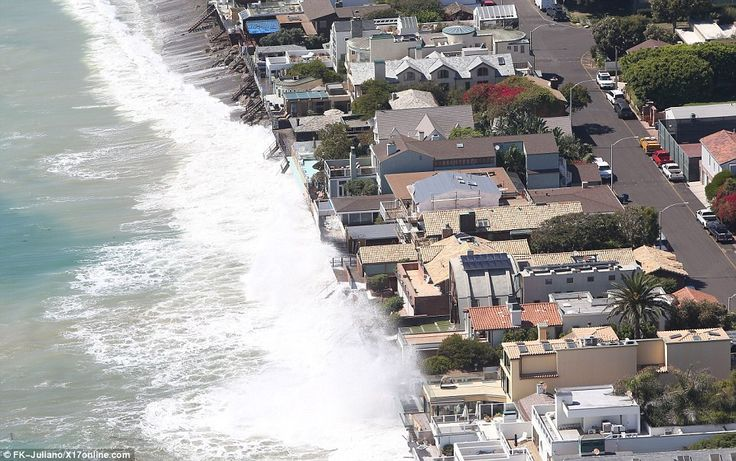 powerless as their malibu homes are hit by waves malibu beaches malibu