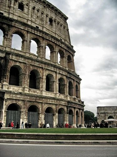 Coliseum in Rome, Italy.Beautiful Italy, Nice Places Colosseum, Places Ives, Buckets Lists, Favorite Places, Rome Italy, Favorite Trips, Europe Trips, Travel Buckets