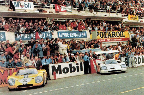 24 heures du Mans 1967 - la Ford MkIV #2 en pôle position et la Chaparral 2F #7