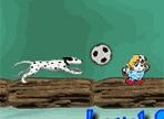 Lo scopo del gioco è recuperare i bonus presenti in ogni livello, manovrando abilmente il pallone da calcio! Usa le frecce direzionali ma fai attenzione agli ostacoli che intralceranno il tuo percorso!