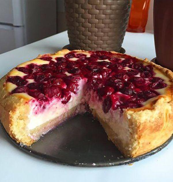 Volt otthon egy kis túró és meggybefőtt, csodás süteményt készített belőle! - Ketkes.com