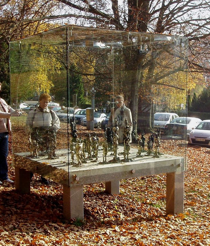 """The sculpture """"Chess with bronze figures"""" a gift from academy sculptor Janez Boljka to Bled, where in the year 2002 the 35 chess Olympiade was organized. The sculpture represents """"Pirc's defense"""" in honour of chess grandmaster and theoretician Vasja Pirc  #Bled #JanezBoljka #artist  #ContemporaryRealist #SlovenianArtist #Slovenia  #GraphicDesigner"""