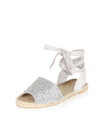 - All over glitter design- Peeptoe front- Lace up ankle fastening- Flat sole