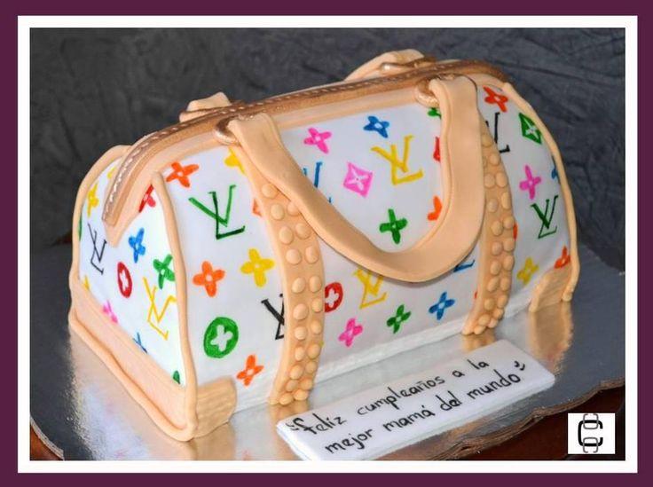 FONDANT LOUIS VUITTON PURSE CAKE (Pastel en forma de bolsa con diseño de LV)