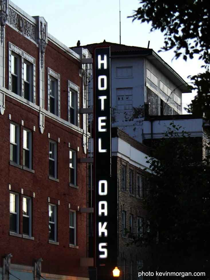 The Historic Oaks Hotel In Downtown Excelsior Springs Missouri Www Kevinmorgan
