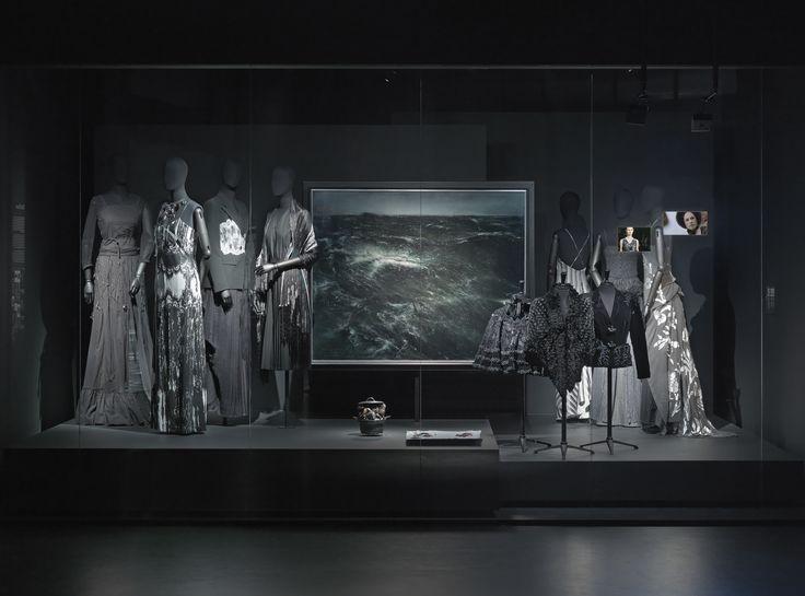 THE PIANO theme - Dries Van Noten Inspirations @ MoMu Fashion Museum Antwerp / (c) Koen de Waal