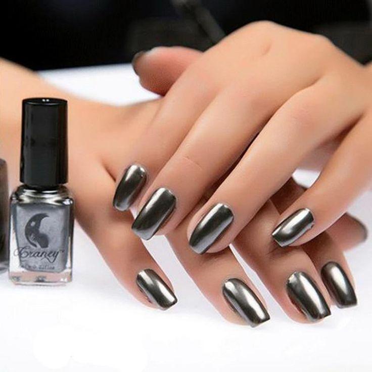 Metallic Mirror Effect Gel Nail Polish
