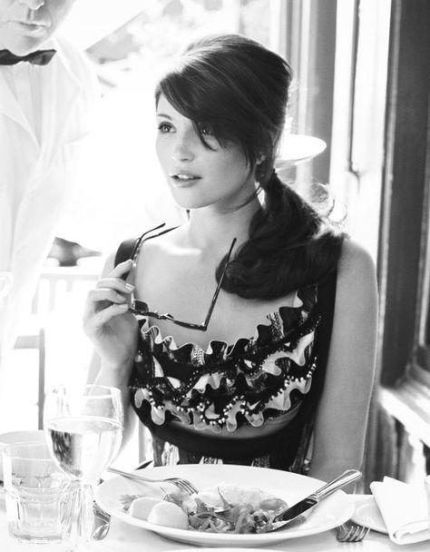 Gemma Arterton B/N