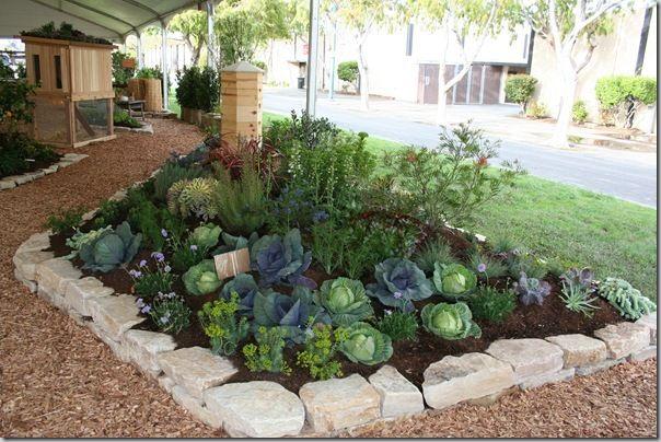 Edible Landscaping Ideas at the 2011 San Francisco Garden Show.  LOTS of beautiful edible garden photos from the show!