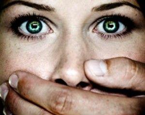 Dalla parte del carnefice: arriva in Campania il primo sportello per il sostegno degli uomini responsabili di violenze sulle donne - Retenew...