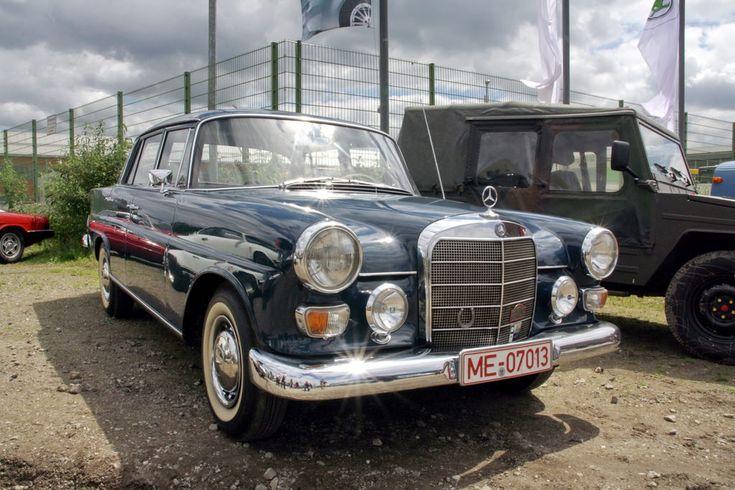 Alle Größen | Mercedes 200 W110 Limousine -2- | Flickr - Fotosharing!