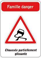 Jeu des 5 familles de panneaux de signalisation routière http://www.cap-eveil.fr/bricolages-enfants/233-jeu-des-5-famille-de-panneaux-de-signalisation-routiere-pour-les-enfants