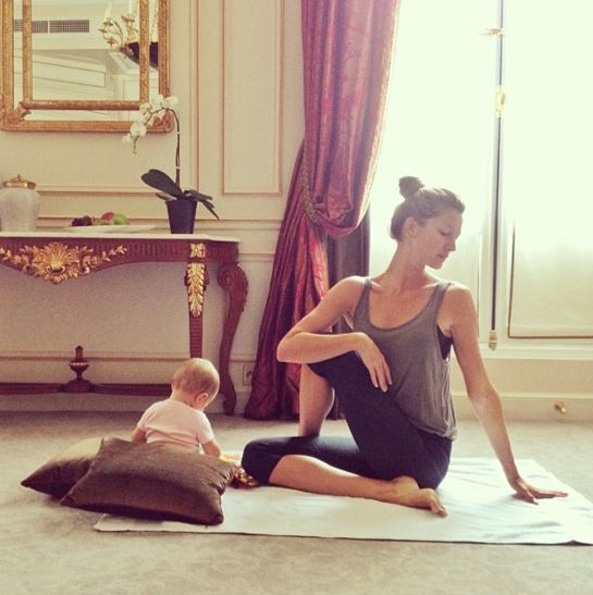 "#ModelFacts Gisele Bündchen's healthy rules: ""I'm light, I'm love, I'm one with the universe"". More on en.vogue.fr"