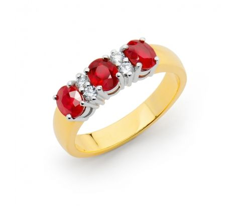 Ravishing rubies, the gem of passion!   18ct yellow gold ring featuring natural ruby and 0.16ct TDW diamonds. NR1