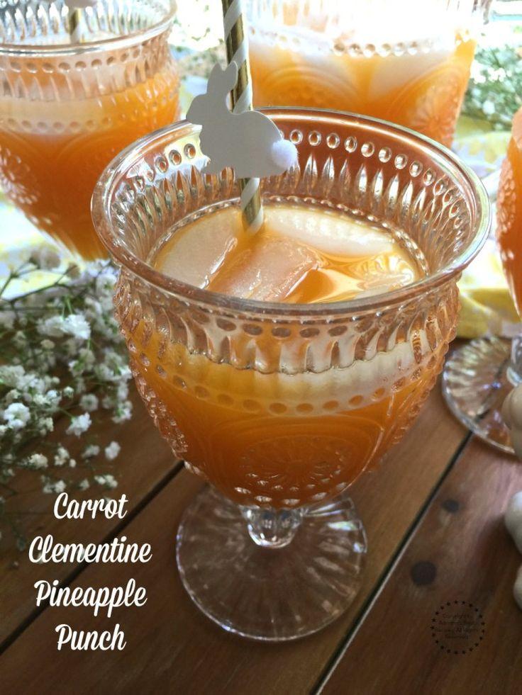 Ponche de zanahoria, clementinas y piña hecho con jugos naturales