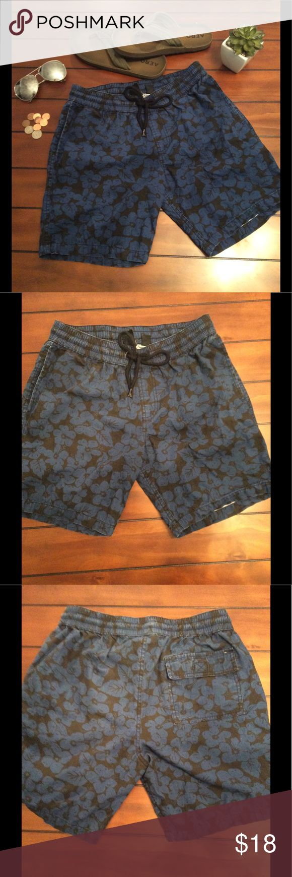 🎉Host Pick🎉 21Men Floral Patterned Shorts Sit by the pool and relax in these great floral print 21 Men Shorts, draw string waist band for extra comfort. 21men Shorts Flat Front